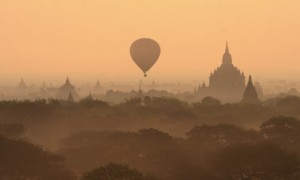 Burma balloon tour
