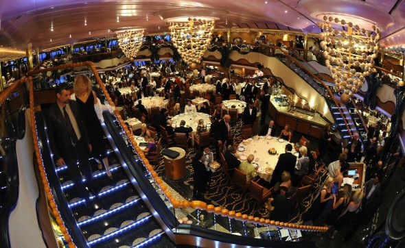 cruise dining options
