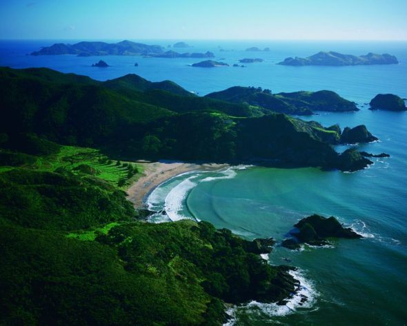 Travel to New Zealand with Luxury Hotel