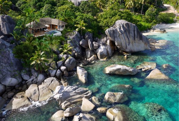 Zil-Payon-oceanfront-pool-villa-590x399.jpg